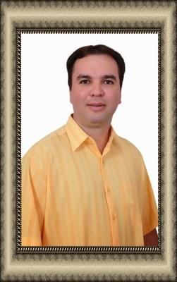 Júnior Barros em moldura.jpg